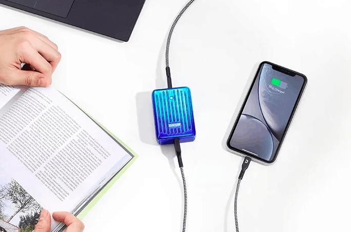 Zendure SuperMini: A Credit Card sized 10000mAh Power Bank