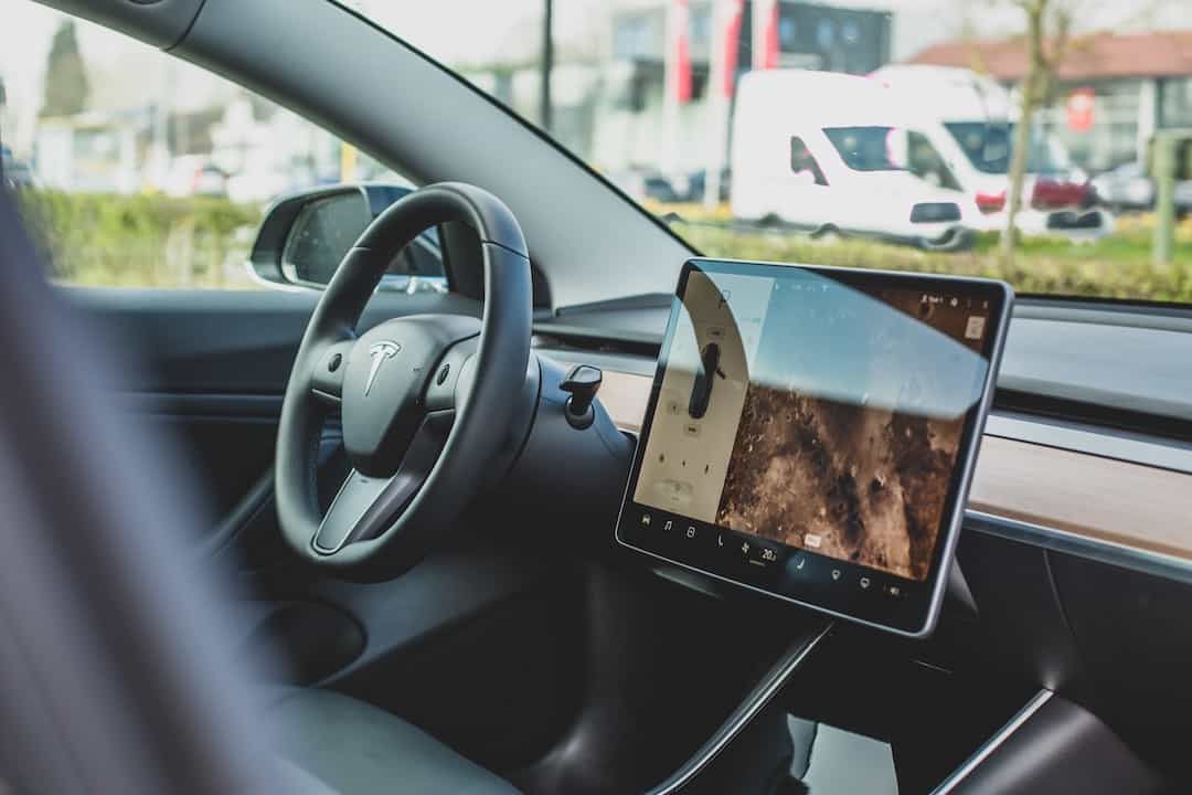 Tesla new software update V10 brings many new features