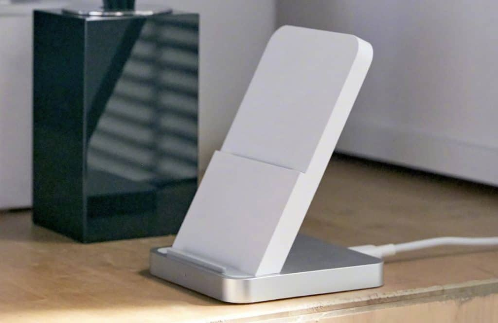 Xiaomi 30W Charger with support vertical air cooled wireless charging