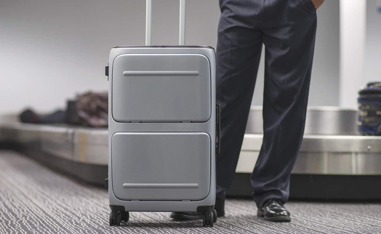 SkyTrek Smart Luggage bag with FaceID lock, arrives at Kickstarter