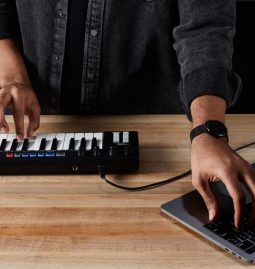 Amazon introduces AI-enabled Piano Keyboard - DeepComposer