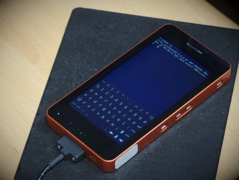 Proteus Smartphone – a Linux based handheld computer
