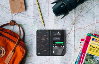 CastAway mobile case can offer a second screen for your smartphone
