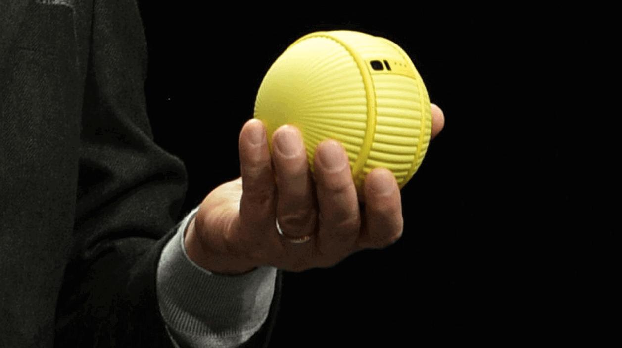 Samsung Ballie Robot, a mini BB-8 that will help you at home