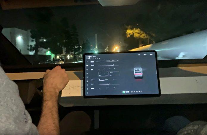 Elon Musk tweets about possible fun update to Tesla Autopilot Display