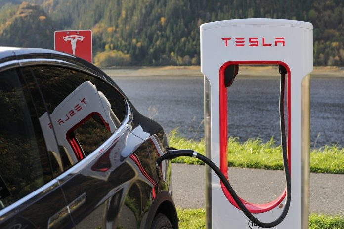Singapore: Tesla to hire servicing staff in the city-state
