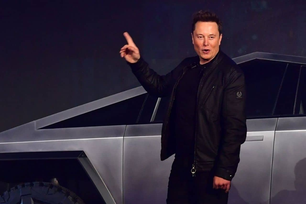 Bloomberg: Elon Musk becomes 4th richest person in the world