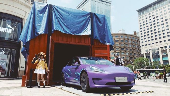Tesla opens its doors to Car Wrap service in China